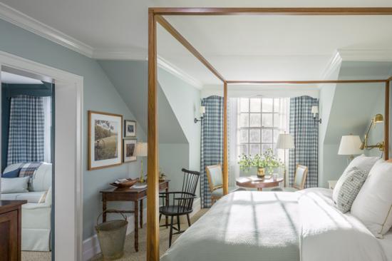 Guestrooms & Suites